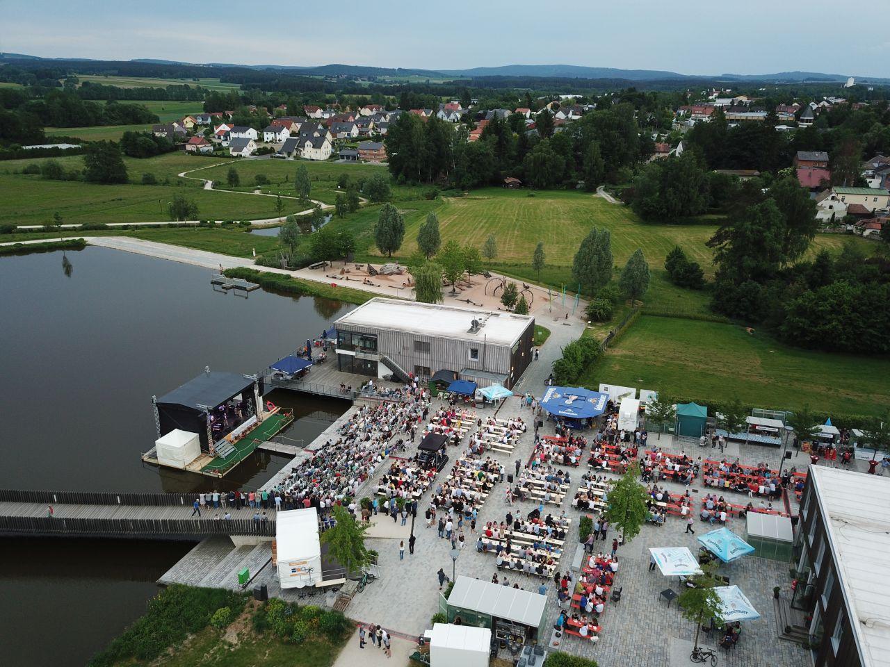 9. Juni - Luftbildaufnahme cooltour-Sommer im Fischhofpark